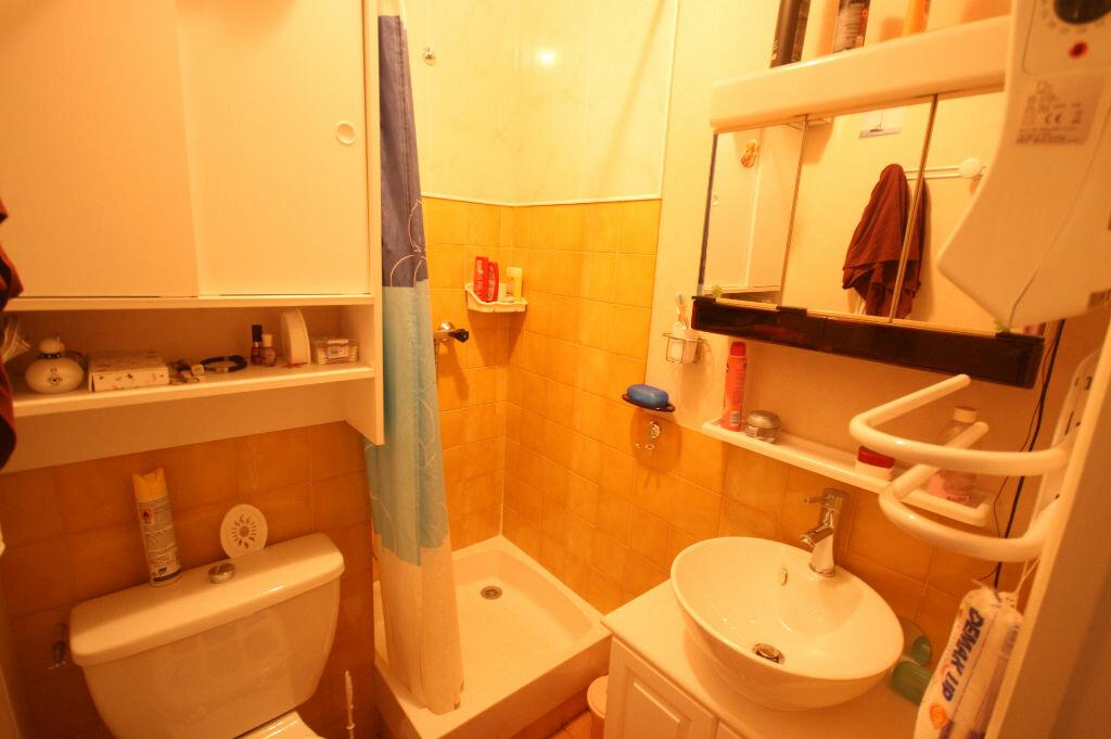 Appartement à vendre 1 18.19m2 à Saint-Georges-de-Didonne vignette-4