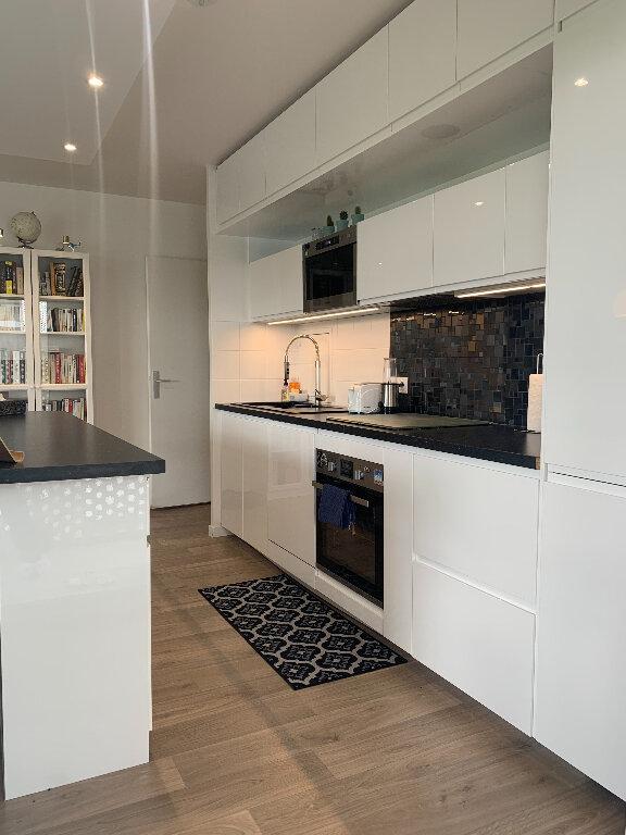 Appartement à louer 3 62m2 à Nanterre vignette-3