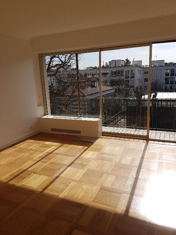 Appartement à louer 2 50.1m2 à Boulogne-Billancourt vignette-3