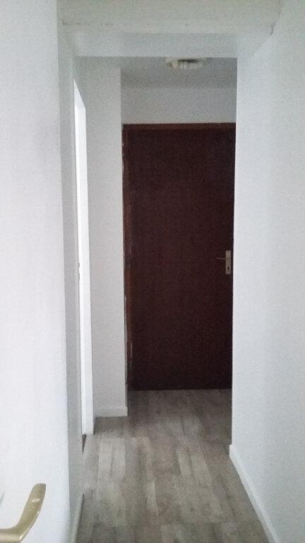 Appartement à louer 2 41m2 à Hagetmau vignette-3