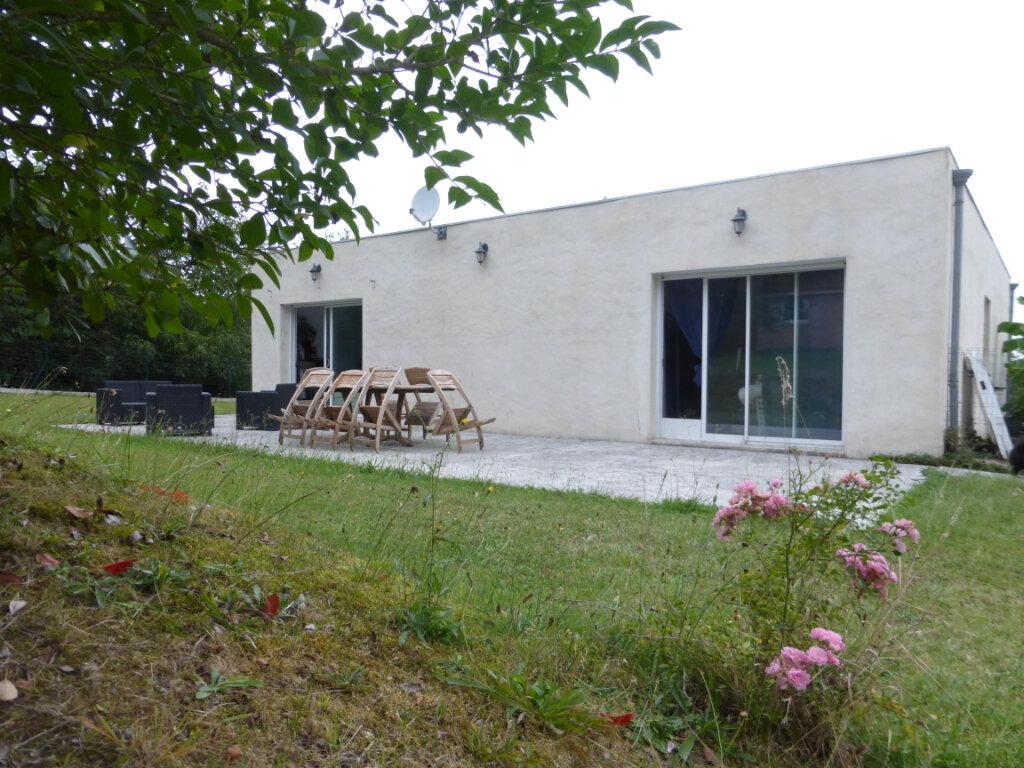 Maison à vendre 5 130m2 à Sainte-Colombe vignette-4