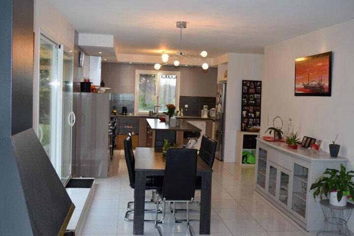 Maison à vendre 5 130m2 à Sainte-Colombe vignette-7