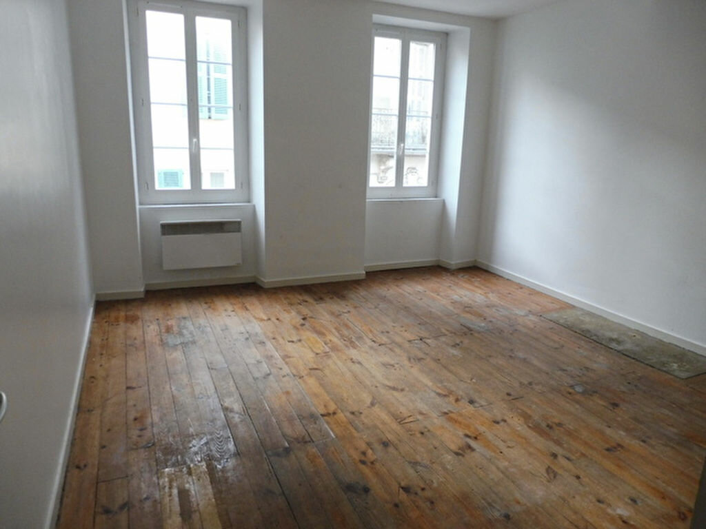 Appartement à vendre 3 79.76m2 à Saint-Sever vignette-1