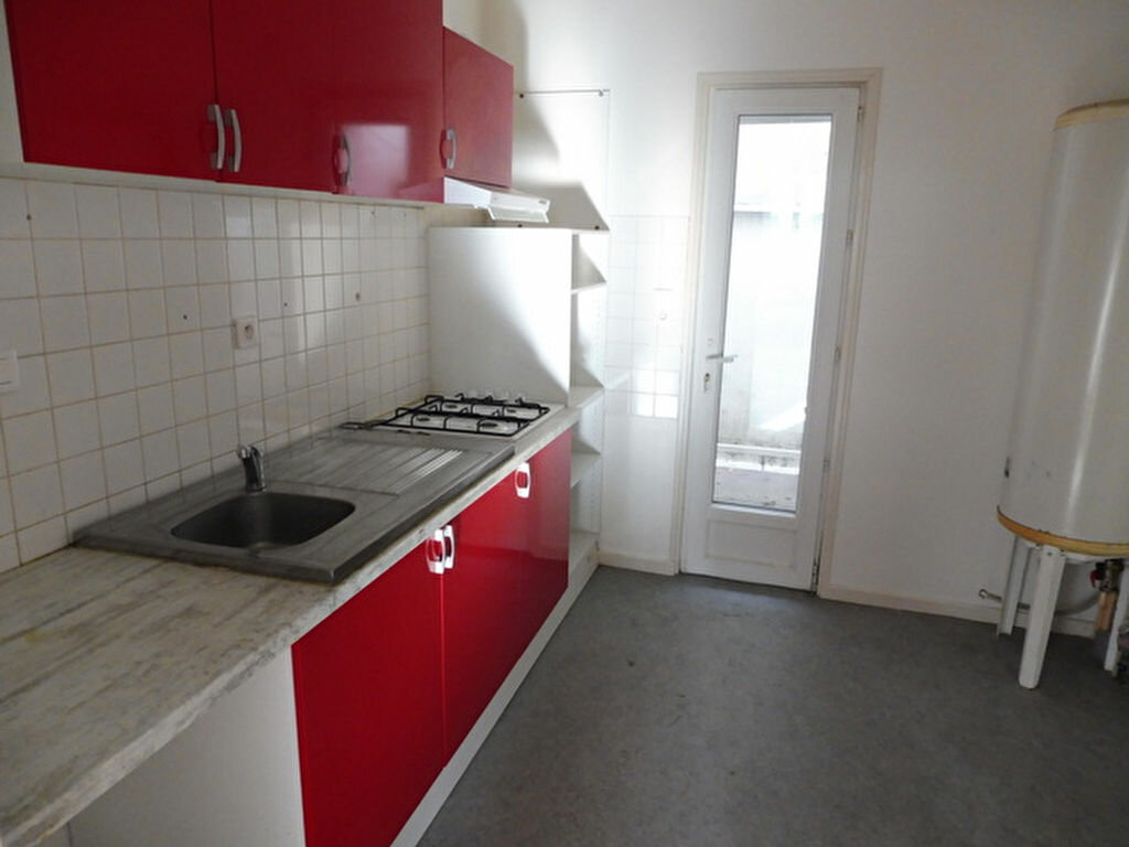 Appartement à vendre 3 79.76m2 à Saint-Sever vignette-2