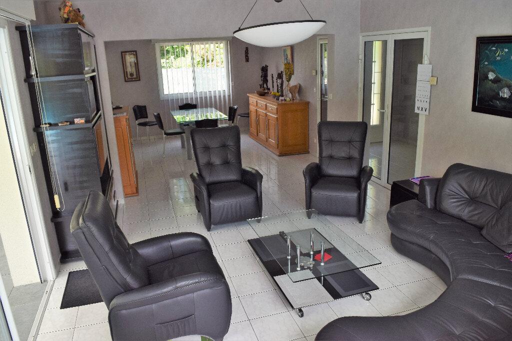 Maison à vendre 8 169m2 à Hagetmau vignette-5