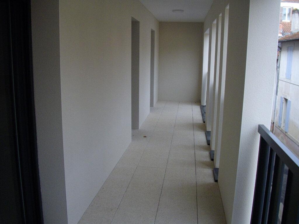 Appartement à vendre 3 59.03m2 à Mont-de-Marsan vignette-2