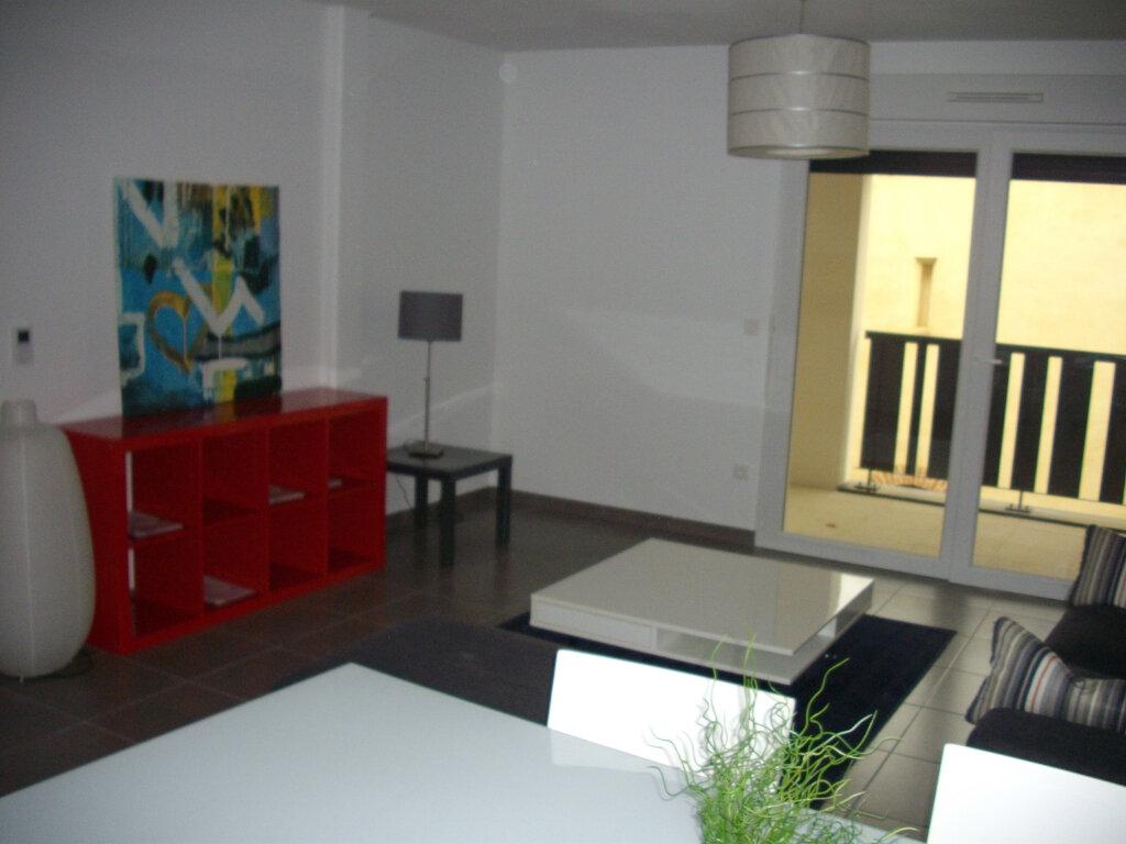 Appartement à vendre 3 59.03m2 à Mont-de-Marsan vignette-4
