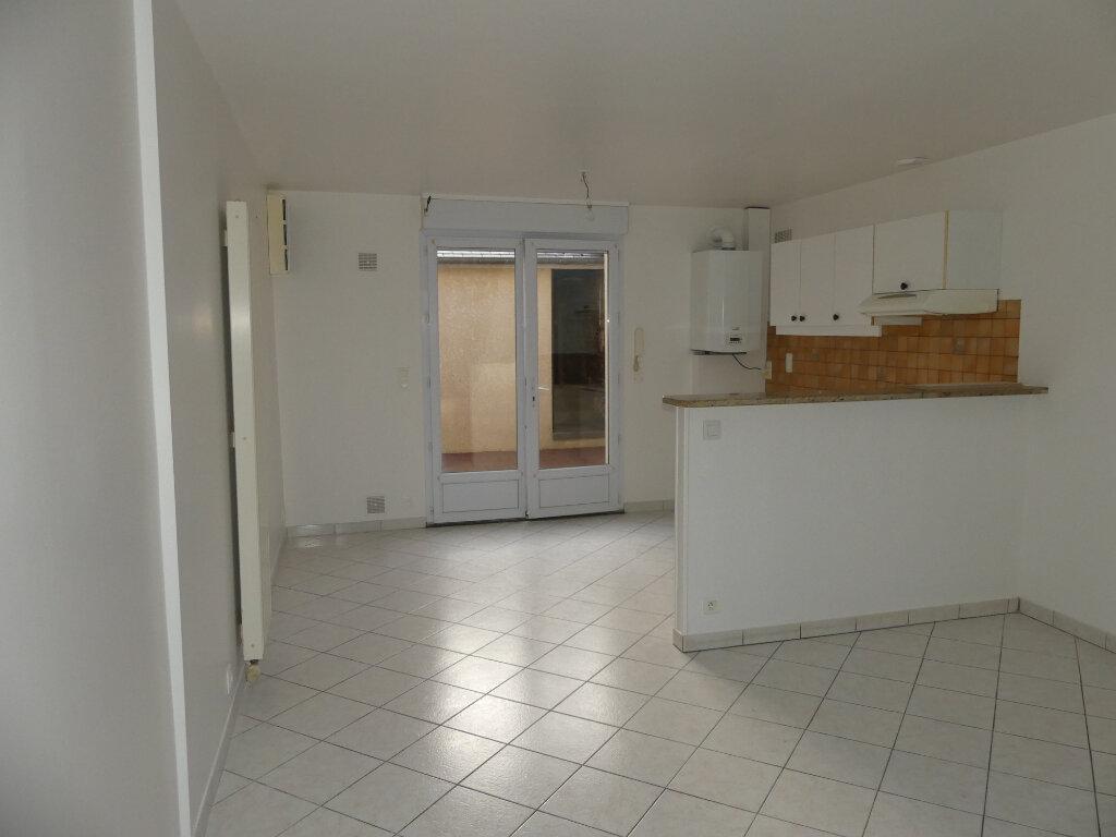 Maison à louer 3 50m2 à Saint-Just-en-Chaussée vignette-3