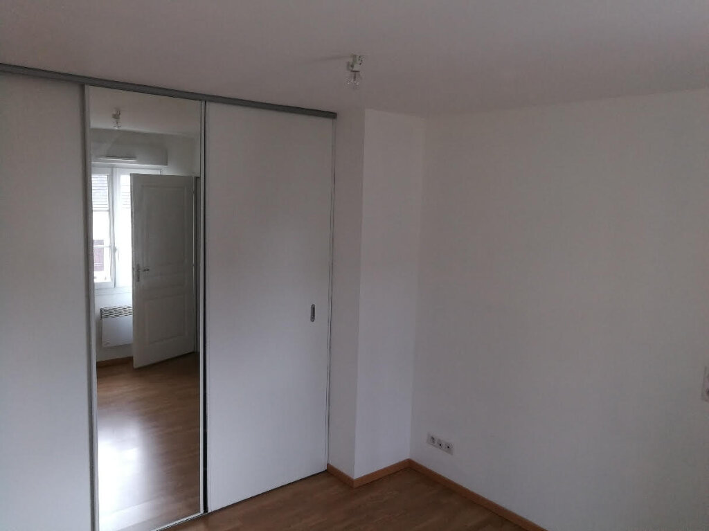 Appartement à louer 2 42m2 à Saint-Just-en-Chaussée vignette-3