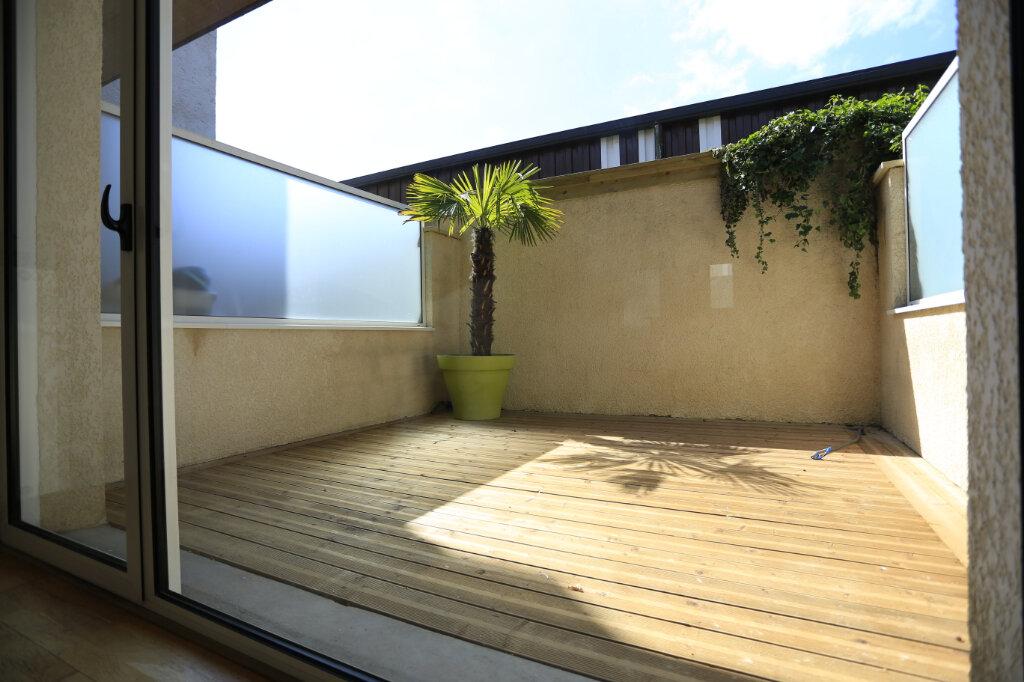 Appartement à vendre 3 60.3m2 à Aix-les-Bains vignette-1