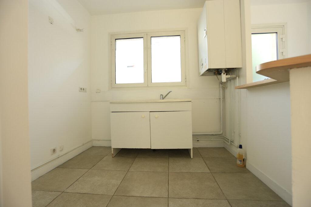 Appartement à vendre 3 60.3m2 à Aix-les-Bains vignette-4