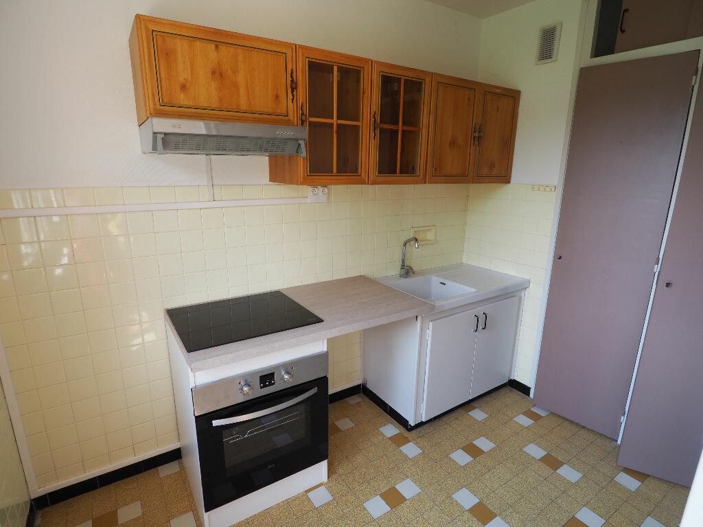 Appartement à louer 2 42m2 à Aix-les-Bains vignette-3