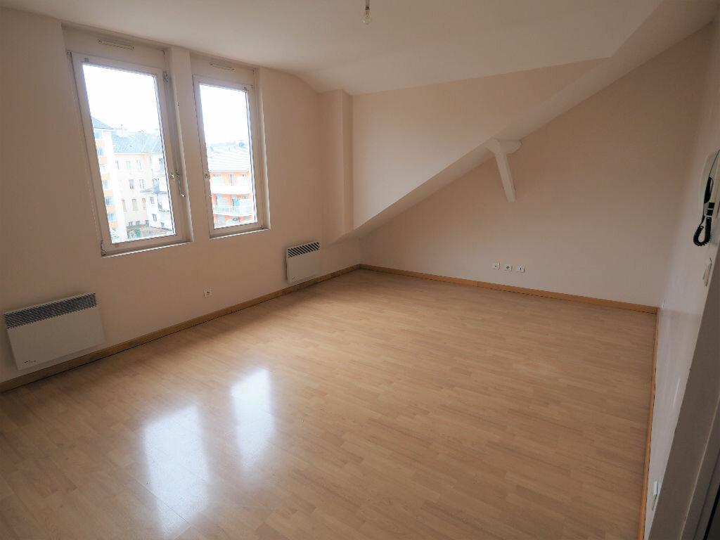 Appartement à louer 2 50m2 à Aix-les-Bains vignette-1