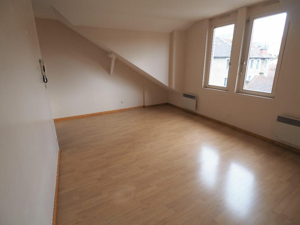Appartement à louer 2 50m2 à Aix-les-Bains vignette-3