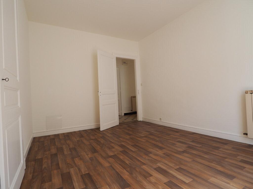 Appartement à louer 3 60m2 à Aix-les-Bains vignette-6