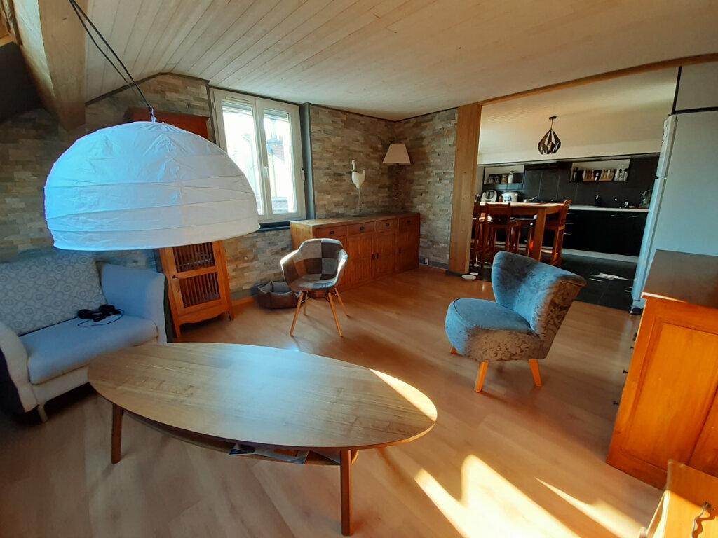 Appartement à louer 3 77.73m2 à Aix-les-Bains vignette-1