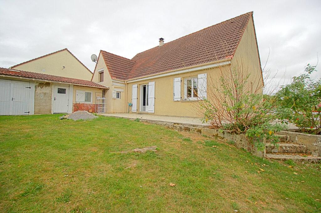 Maison à vendre 8 140m2 à Estrées-Saint-Denis vignette-1