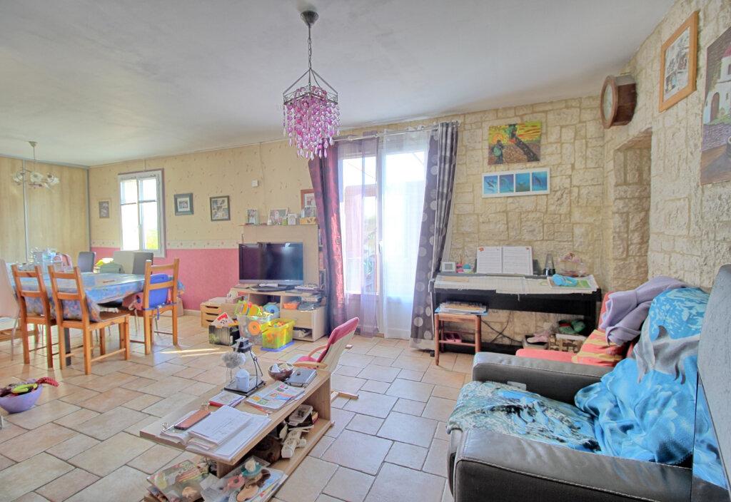 Maison à vendre 8 140m2 à Estrées-Saint-Denis vignette-3