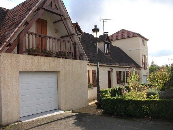 Maison à vendre 9 220m2 à Estrées-Saint-Denis vignette-1