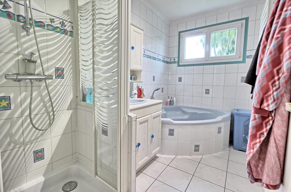 Maison à vendre 5 115.55m2 à Estrées-Saint-Denis vignette-6