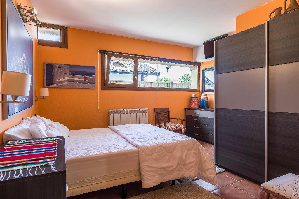 Maison à vendre 6 300m2 à Hendaye vignette-8