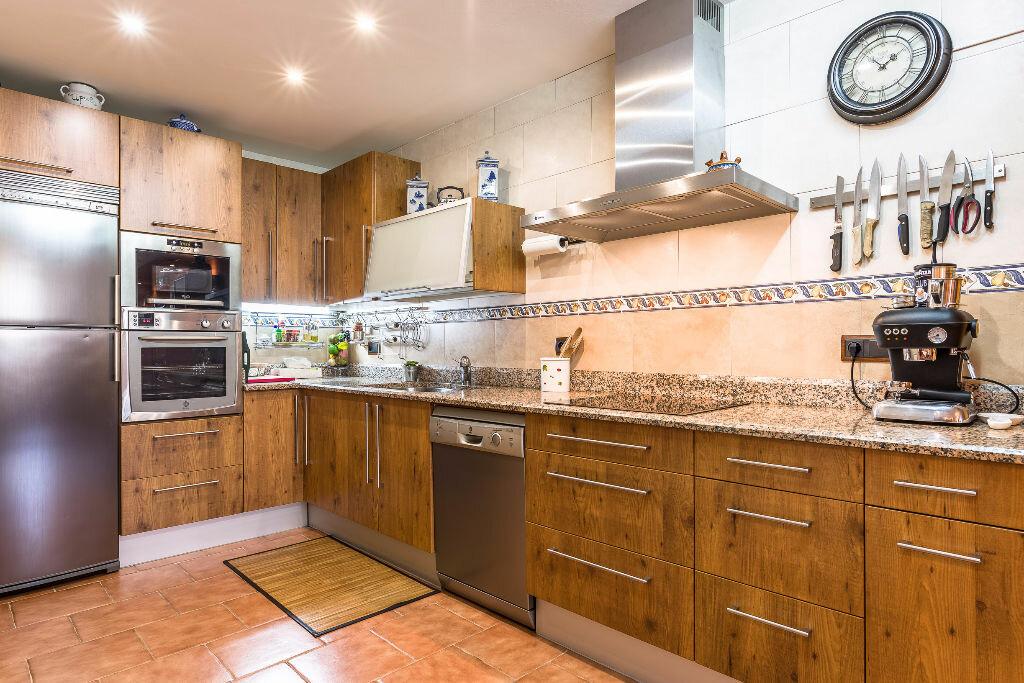 Maison à vendre 6 300m2 à Hendaye vignette-16