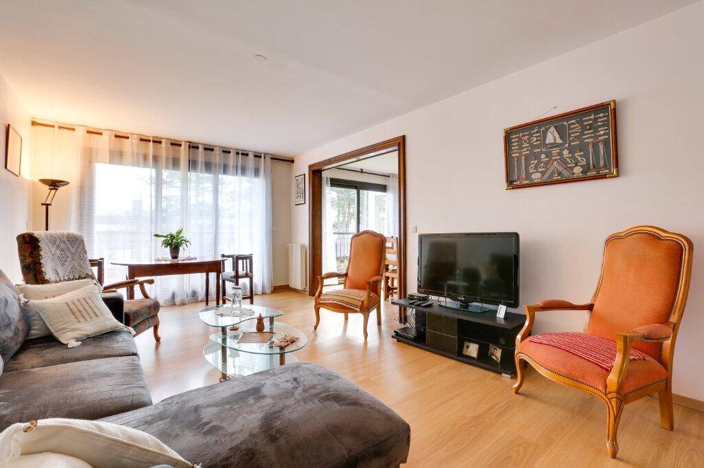 Appartement à vendre 4 109m2 à Saint-Jean-de-Luz vignette-1