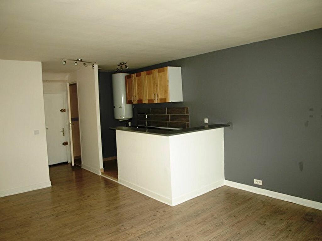 Appartement à louer 3 53m2 à Magny-en-Vexin vignette-2