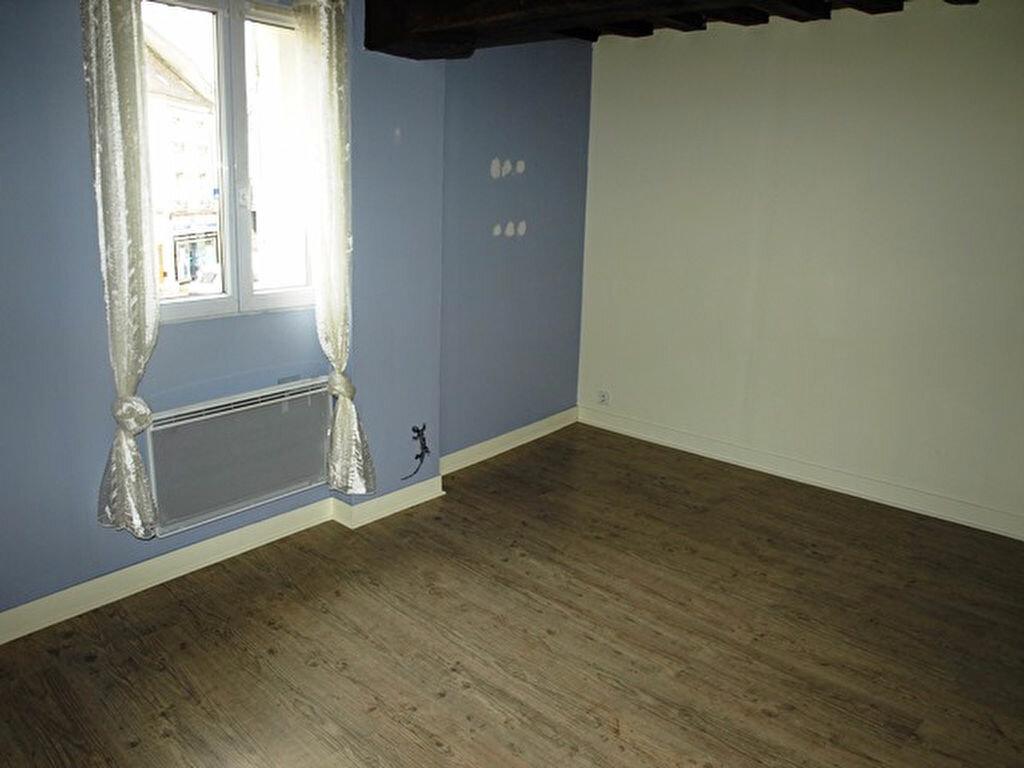 Appartement à louer 3 53m2 à Magny-en-Vexin vignette-3