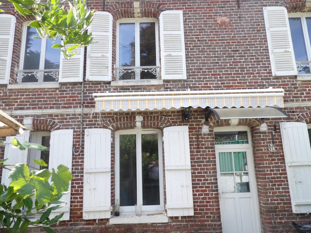 Maison à louer 4 83.05m2 à Fresneaux-Montchevreuil vignette-1