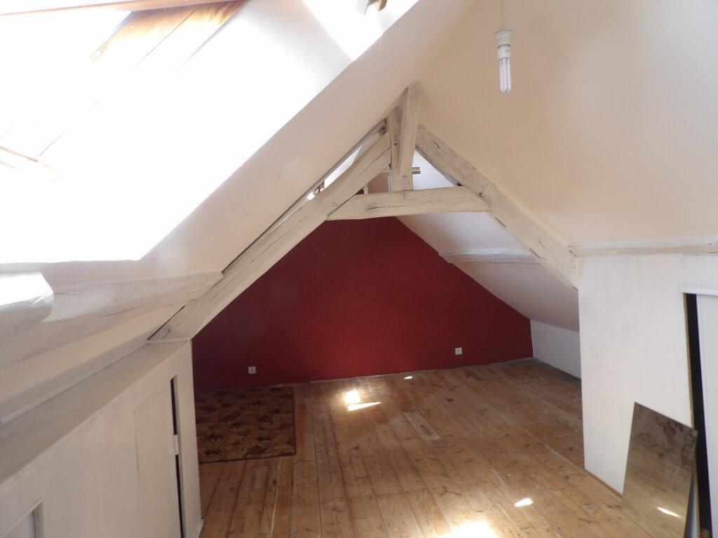 Maison à louer 4 83.05m2 à Fresneaux-Montchevreuil vignette-3