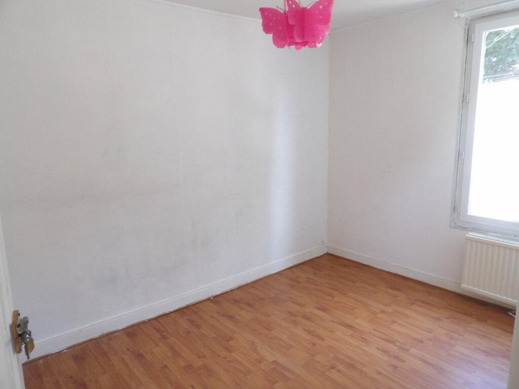 Maison à louer 4 83.05m2 à Fresneaux-Montchevreuil vignette-5