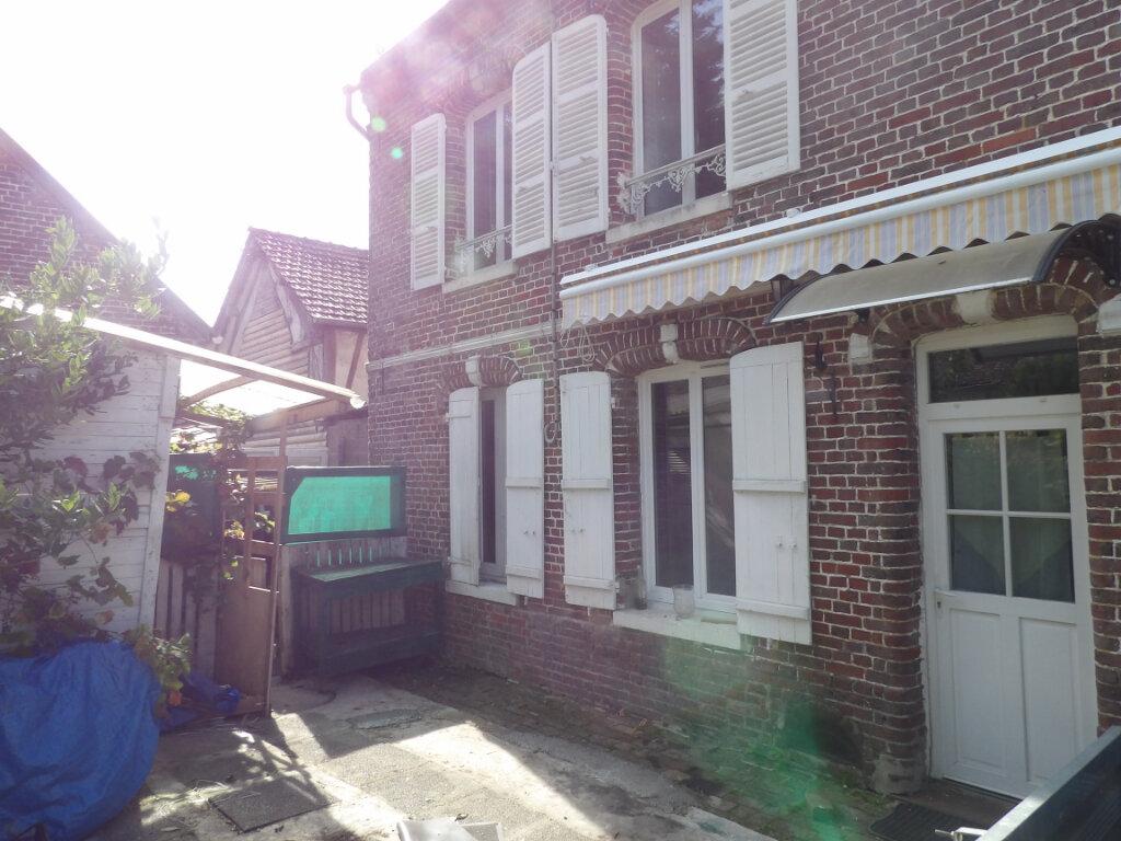 Maison à louer 4 83.05m2 à Fresneaux-Montchevreuil vignette-6