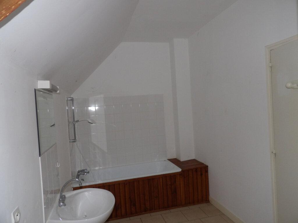 Appartement à louer 3 74.39m2 à Neuilly-en-Vexin vignette-2