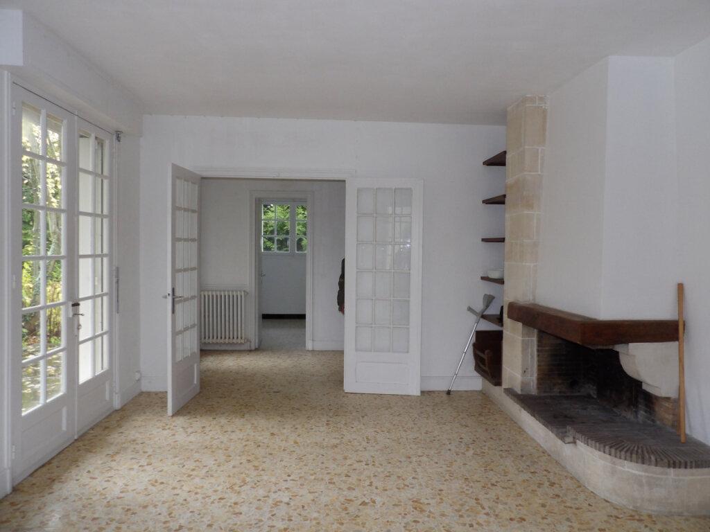 Maison à louer 7 115m2 à La Chapelle-en-Vexin vignette-2