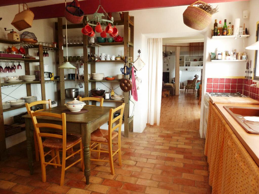Maison à vendre 8 215m2 à Fontienne vignette-4