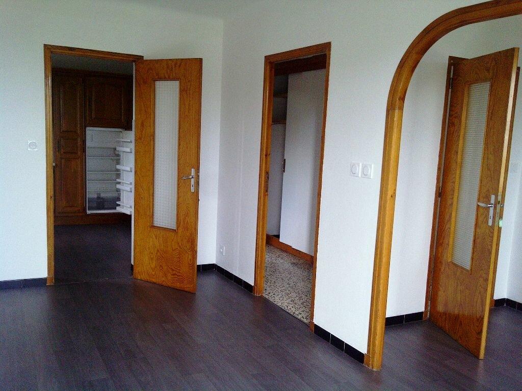 Appartement à louer 4 85m2 à Forcalquier vignette-1