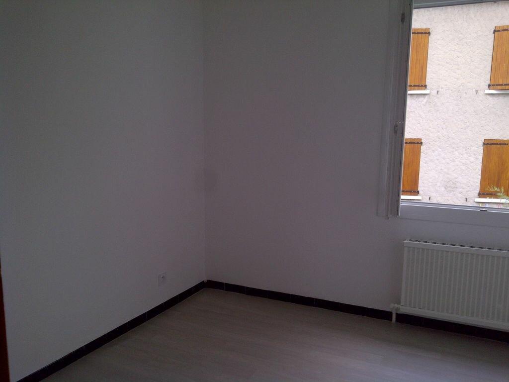 Appartement à louer 4 85m2 à Forcalquier vignette-5