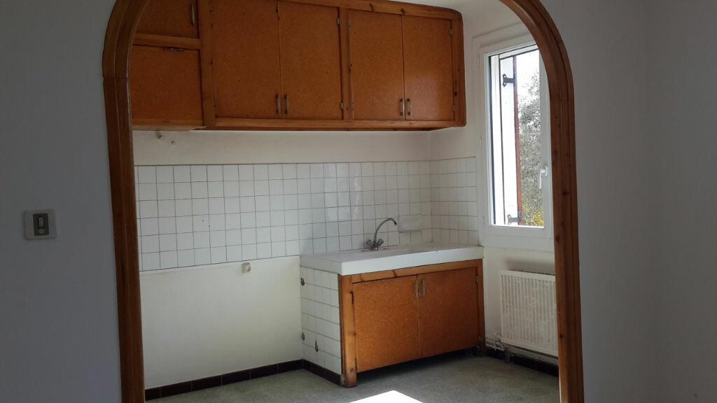 Appartement à louer 3 59m2 à Forcalquier vignette-2