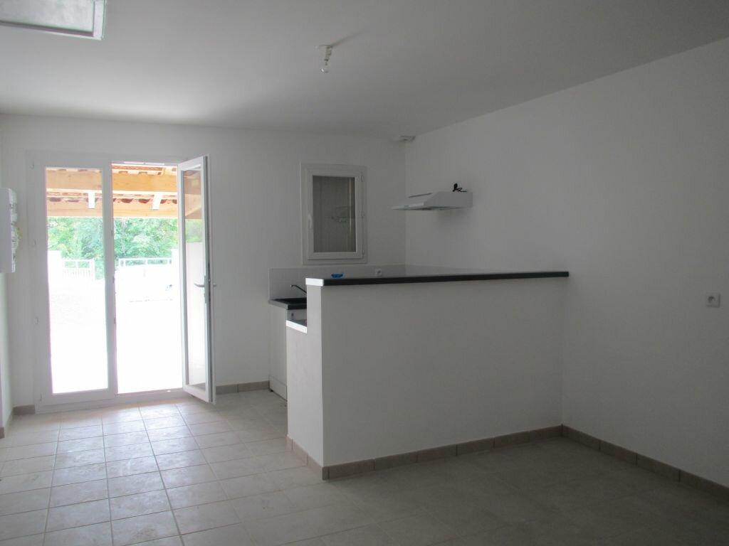 Appartement à louer 3 46.17m2 à Saint-Maime vignette-2