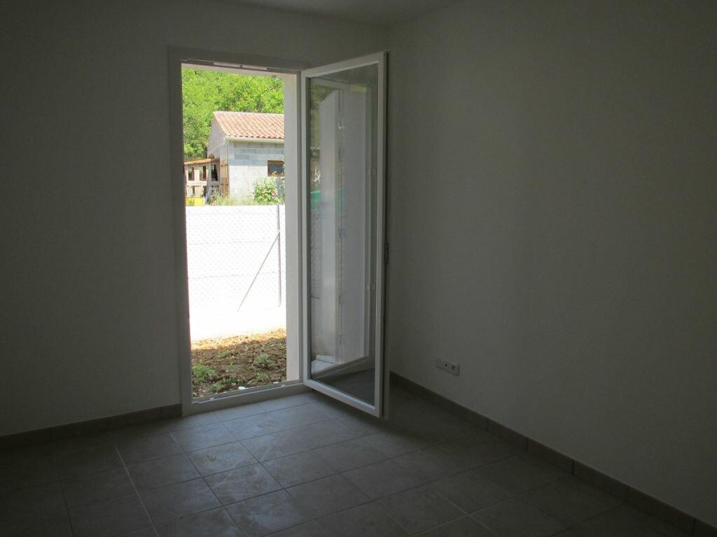 Appartement à louer 3 46.17m2 à Saint-Maime vignette-4