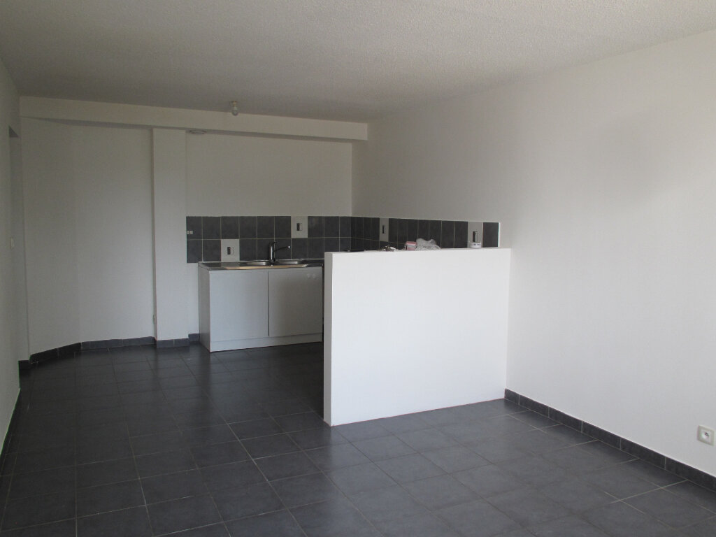 Appartement à louer 4 71.29m2 à Forcalquier vignette-1