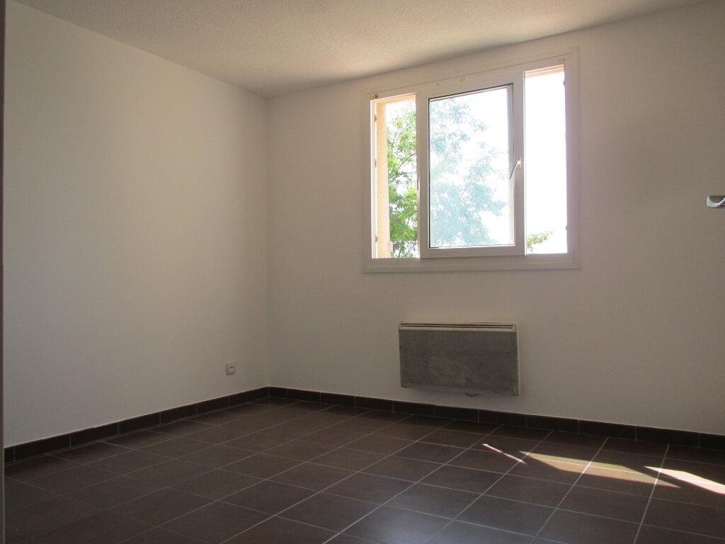 Appartement à louer 4 71.29m2 à Forcalquier vignette-4