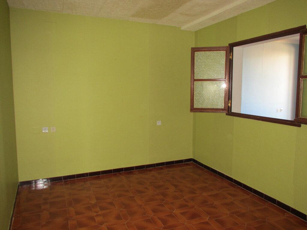 Appartement à louer 3 79.97m2 à Forcalquier vignette-8