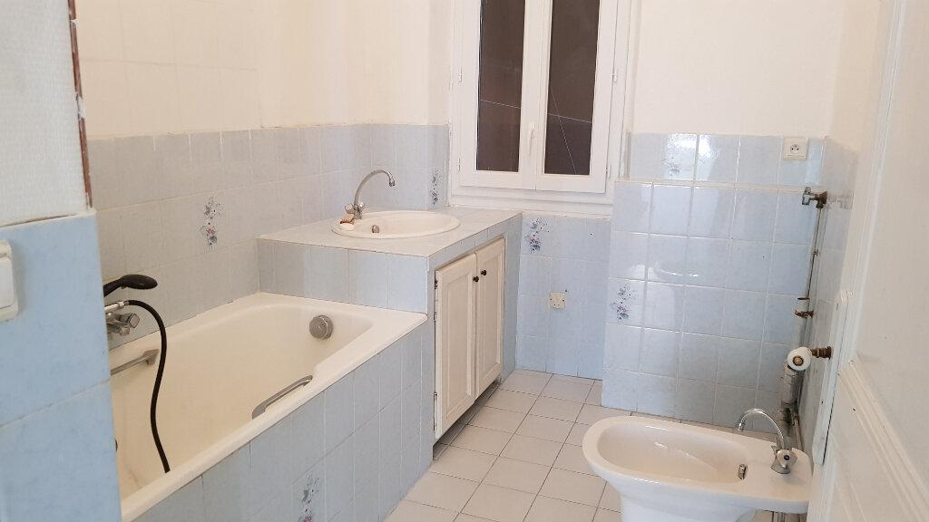 Appartement à louer 3 62.87m2 à Forcalquier vignette-6
