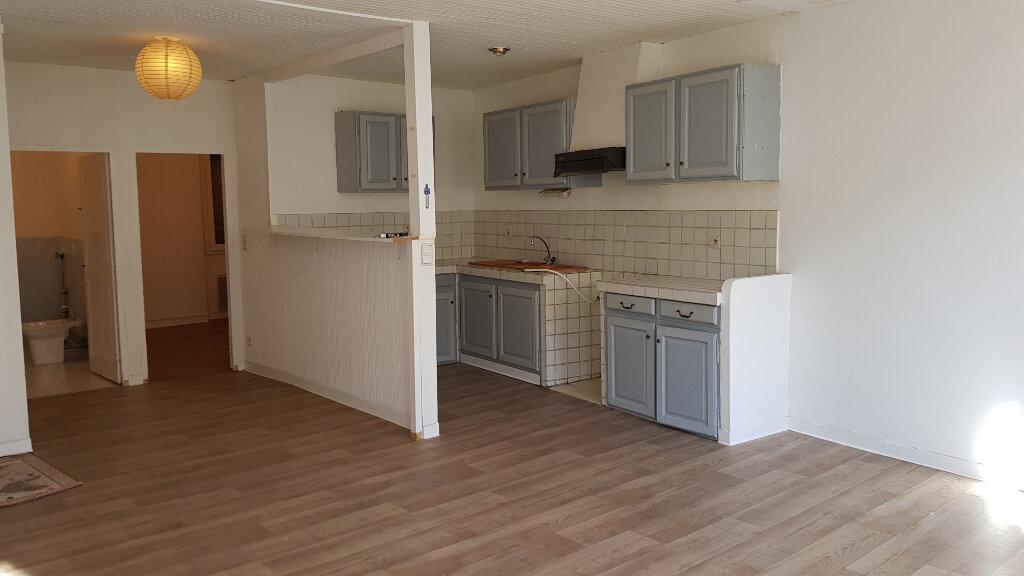 Appartement à louer 3 62.87m2 à Forcalquier vignette-9