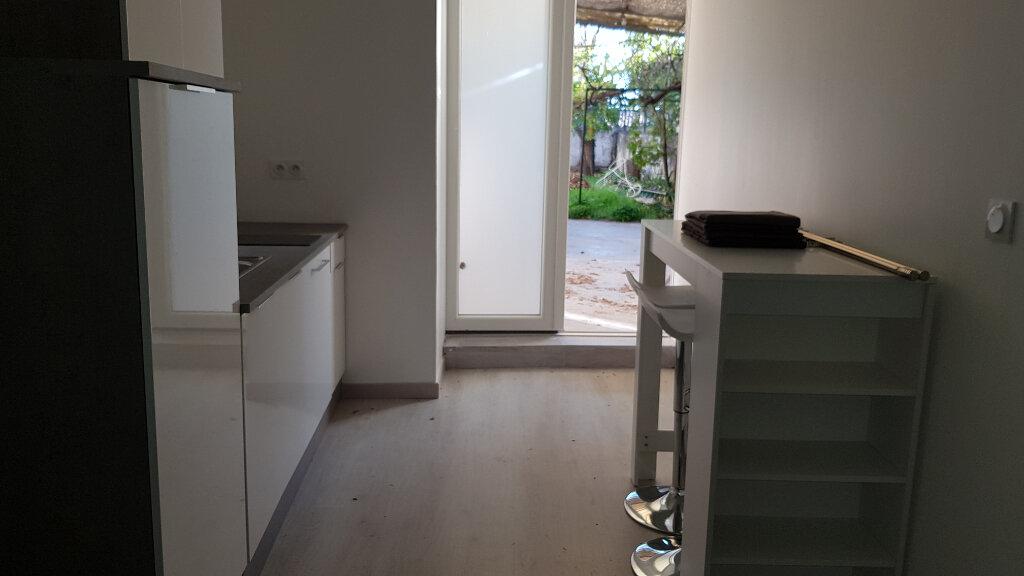 Appartement à louer 1 20.62m2 à Saint-Michel-l'Observatoire vignette-1