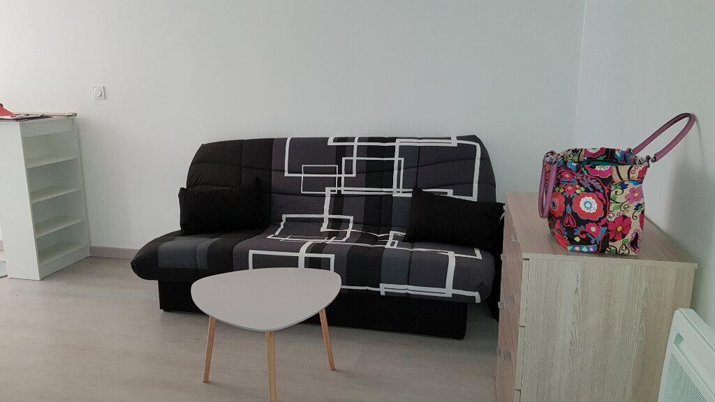 Appartement à louer 1 20.62m2 à Saint-Michel-l'Observatoire vignette-2