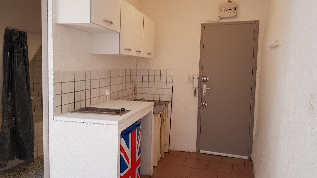 Appartement à louer 2 26m2 à Forcalquier vignette-9