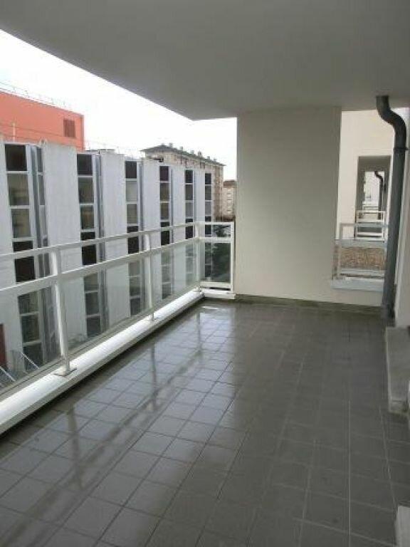 Appartement à louer 3 74m2 à Metz vignette-3